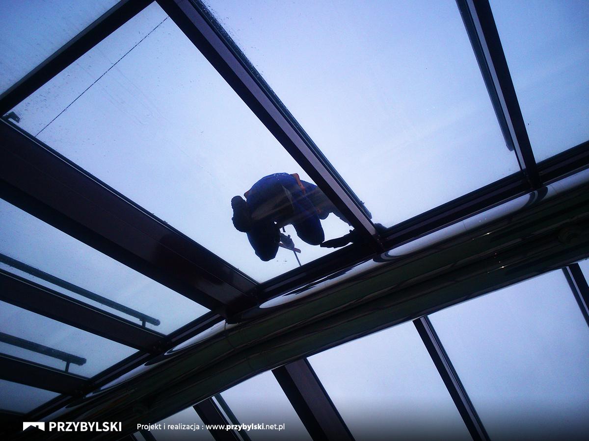 Naprawa dachu hotel Vienna