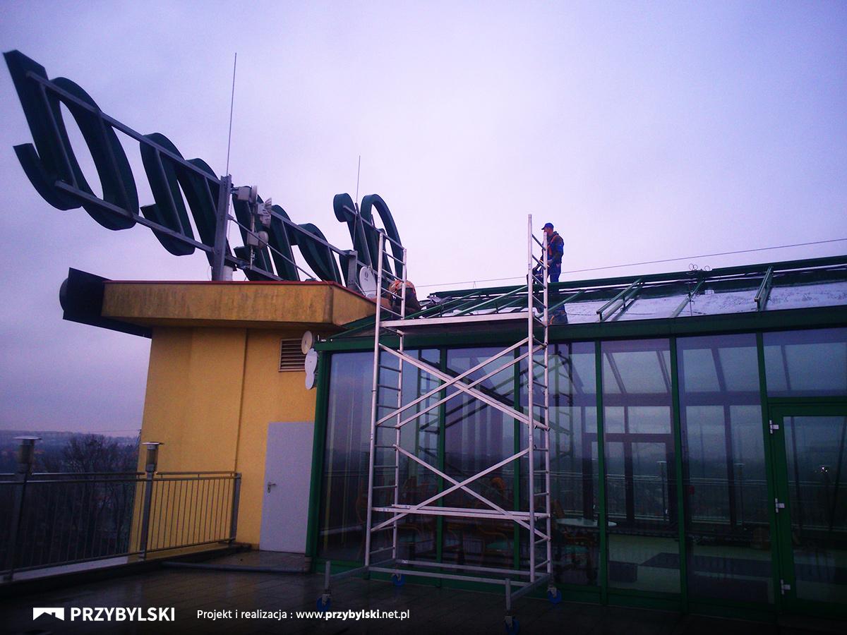Naprawa dachu na wysokości