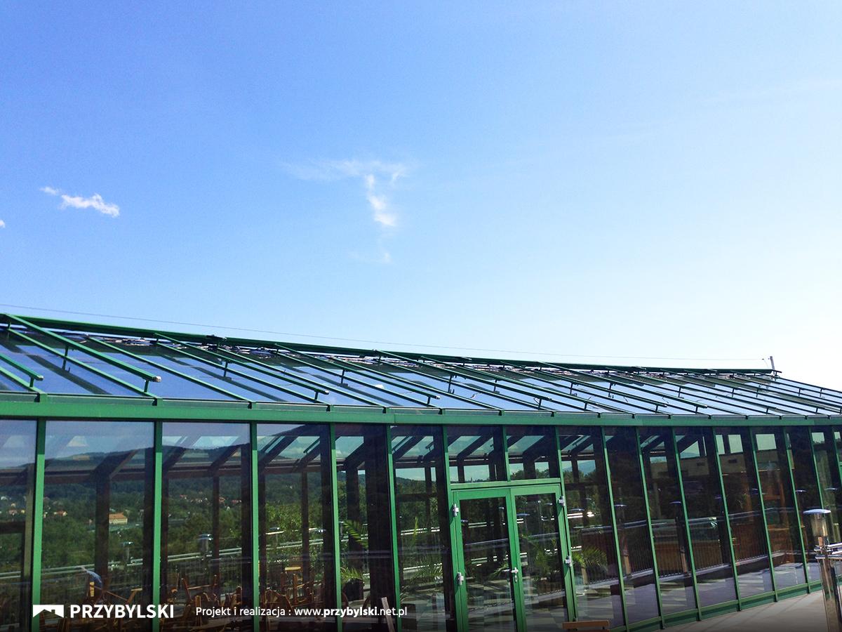 Renowacja dachu w hotelu Vienna