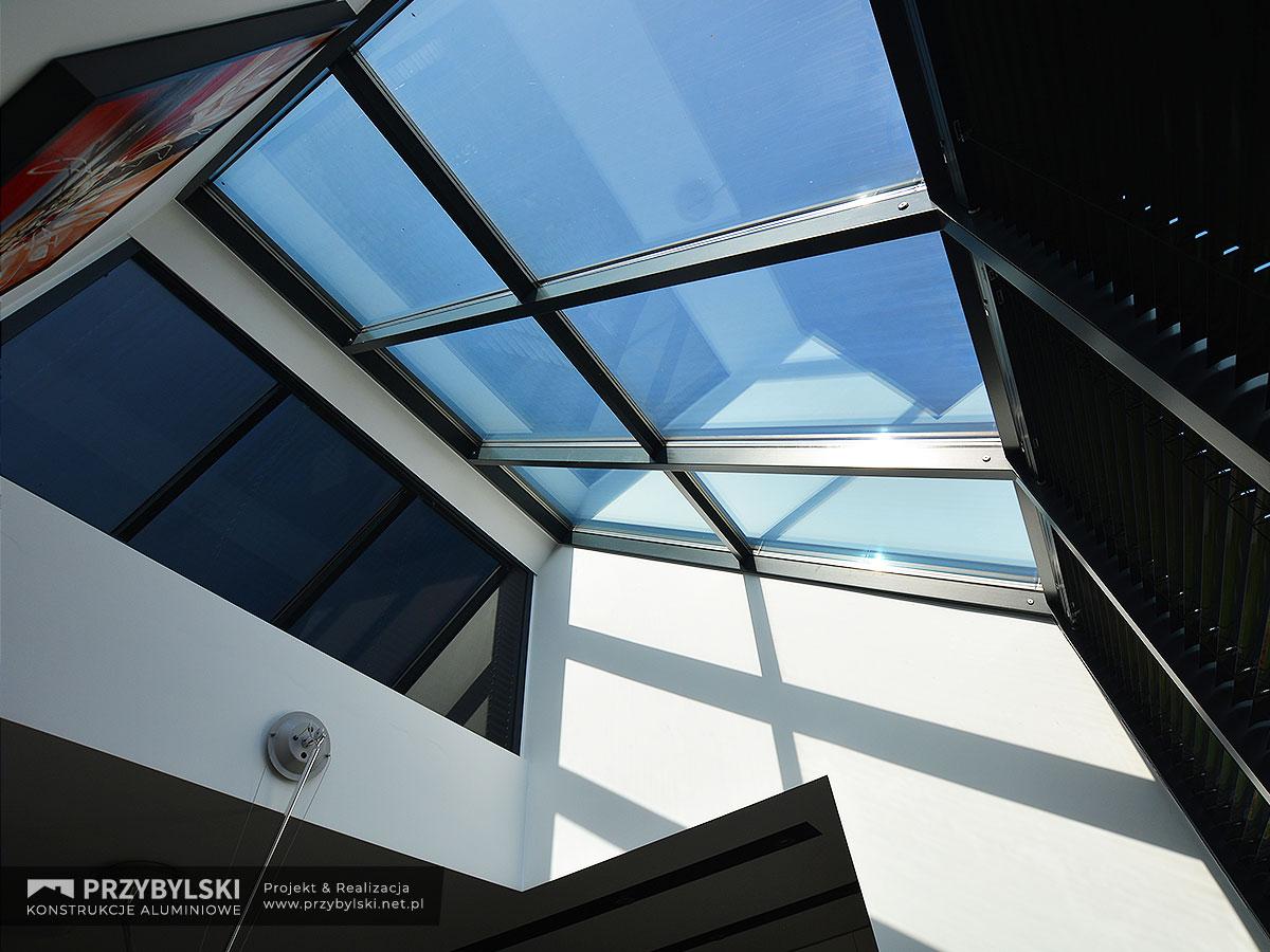 Okno kolankowe szklany dach 0111