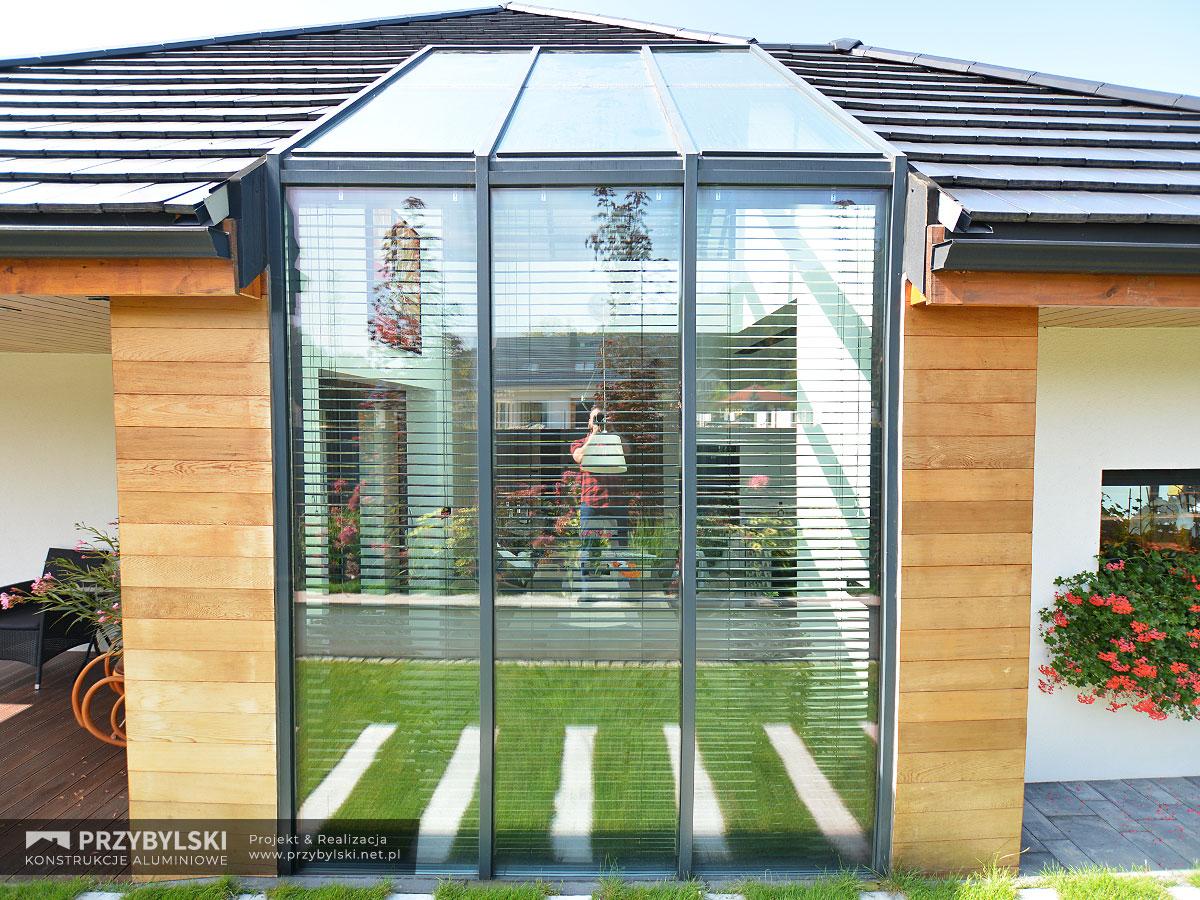 Okno kolankowe szklany dach 0116
