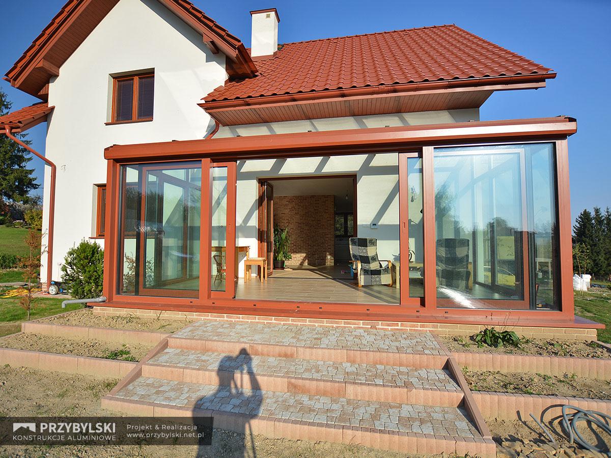 Realizacja ogrodu zimowego w Chorągwicy. Firma Przybylski